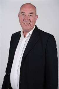 Cllr Peter Strachan, Vice-Chairman of the Shadow Authority to deliver the new Buckinghamshire Council. Images courtesy Shadow Authority.