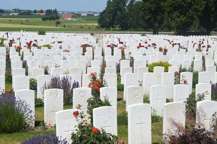 Graves at Tyne Cot Commonwealth Cemetery