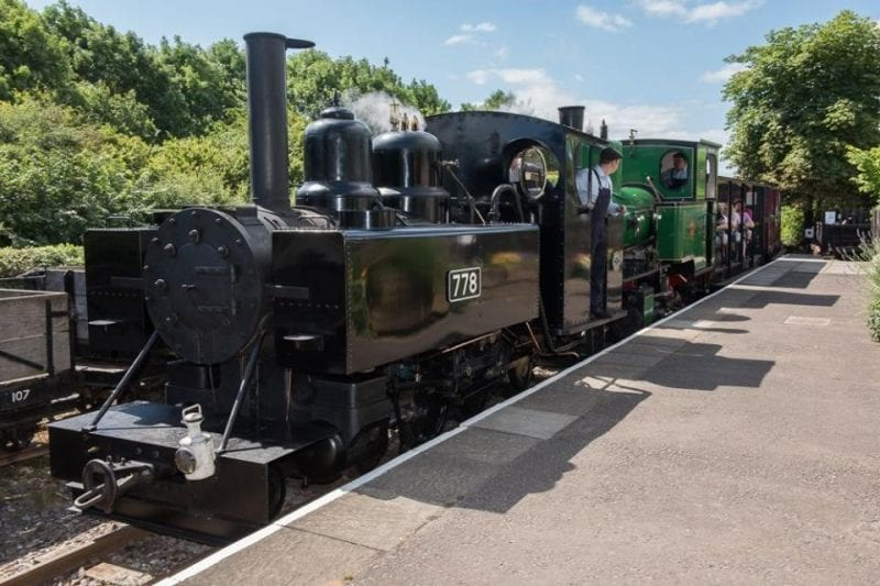778 leads a busy train into Stonehenge Works. Images courtesy Leighton Buzzard Railway.