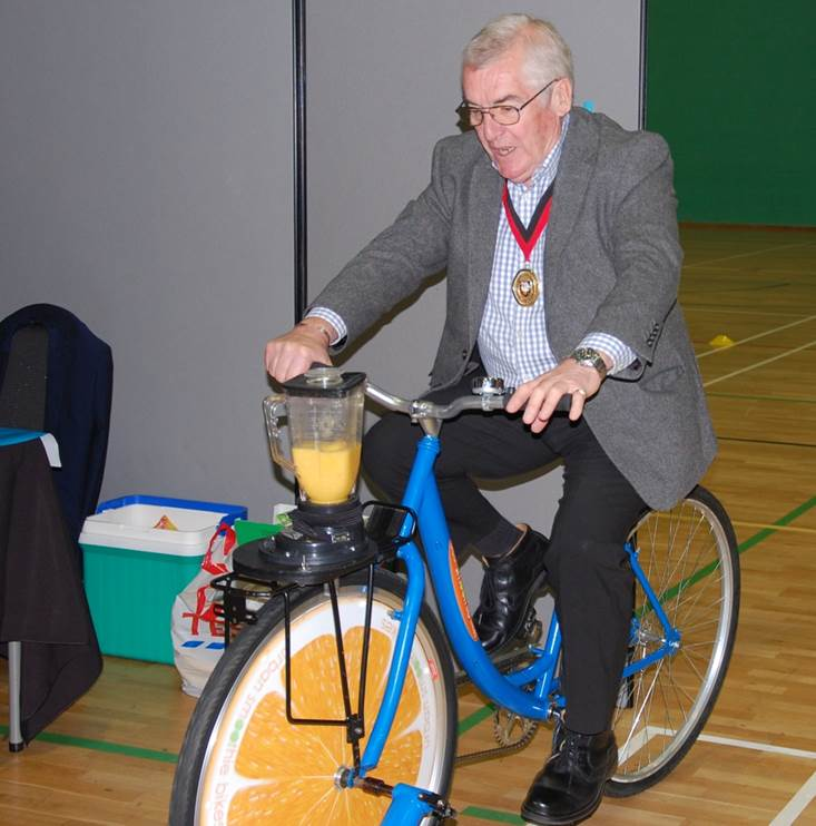 Councillor Brian Roberts on a Smoothie Bike