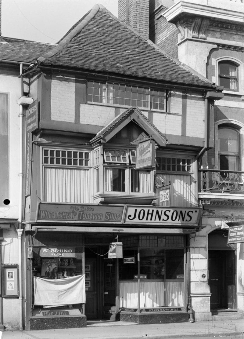 The 1944 shop: sharing the ground floor between a tobacconist and dry cleaner