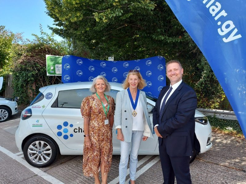 Cllr Broadbent alongside Deputy Cabinet Member for Climate Change and the Environment Jilly Jordan (L) and Cllr Jocelyn Towns (R)