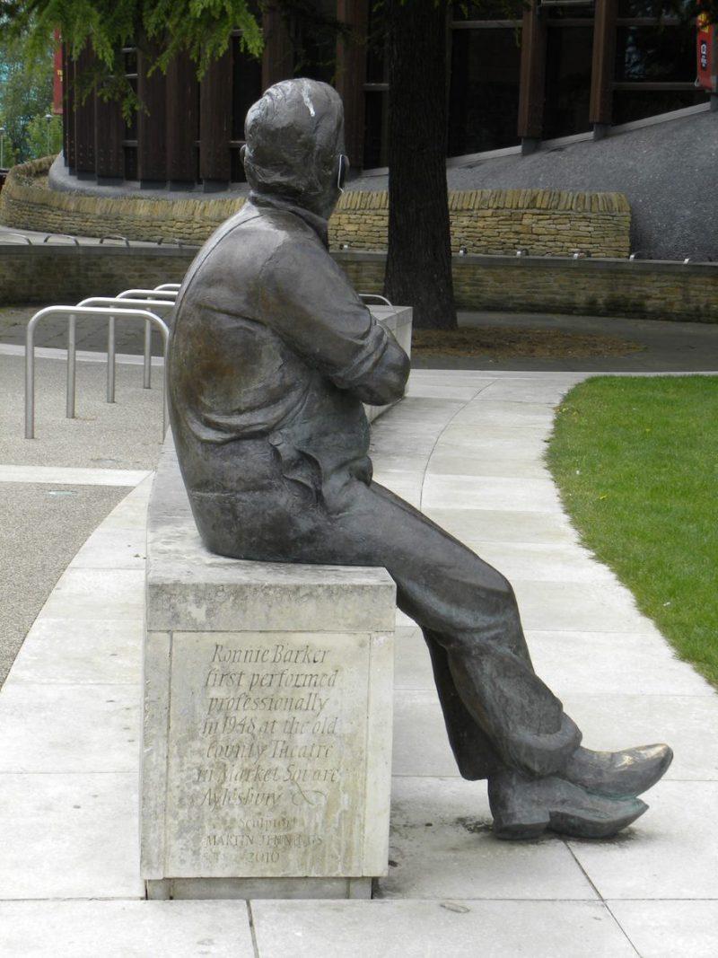 Ronnie Barker statue, Aylesbury